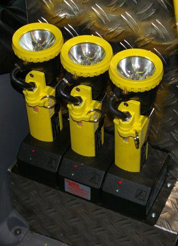 TSF-W, Mannschafts- & Fahrerraum - Handlampen