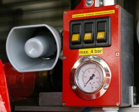 TSF-W, Fahrzeugrückseite - Funklautsprecher, Kontrollen