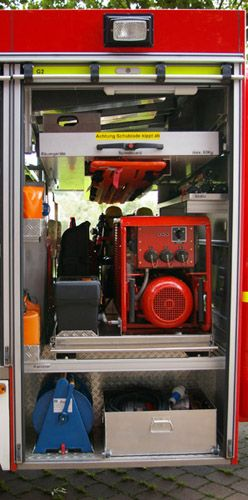 TSF-W, rechte Fahrzeugseite, Geräteraum 2