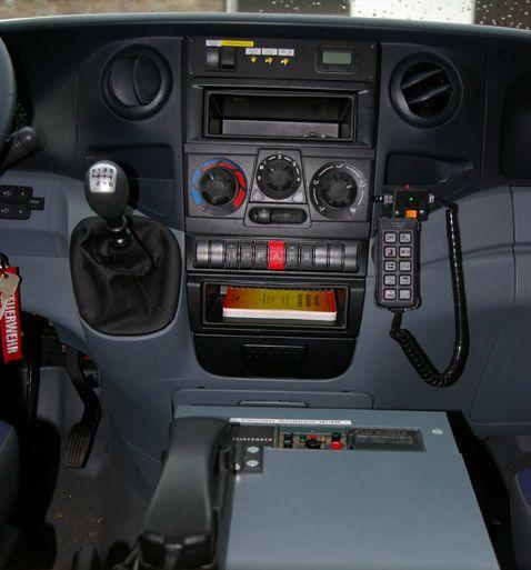 TSF-W, Mannschafts- & Fahrerraum - Konsole
